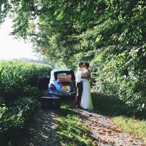 ah32f-bruidspaar-tijdens-fotoshoot